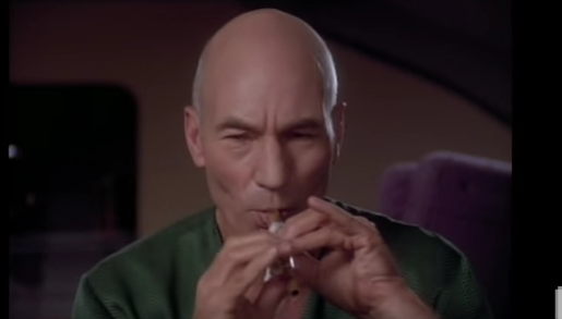THIS Is Why The Internet Was Invented – Captain Picard Sings Make It So